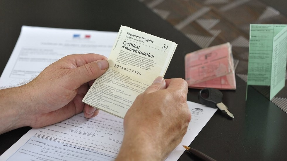 Certificat d'immatriculation et certificat de vente d'un vehicule