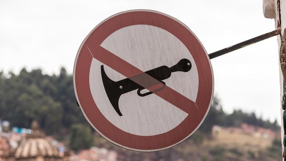Panneau d'interdiction d'utiliser l'avertisseur sonore
