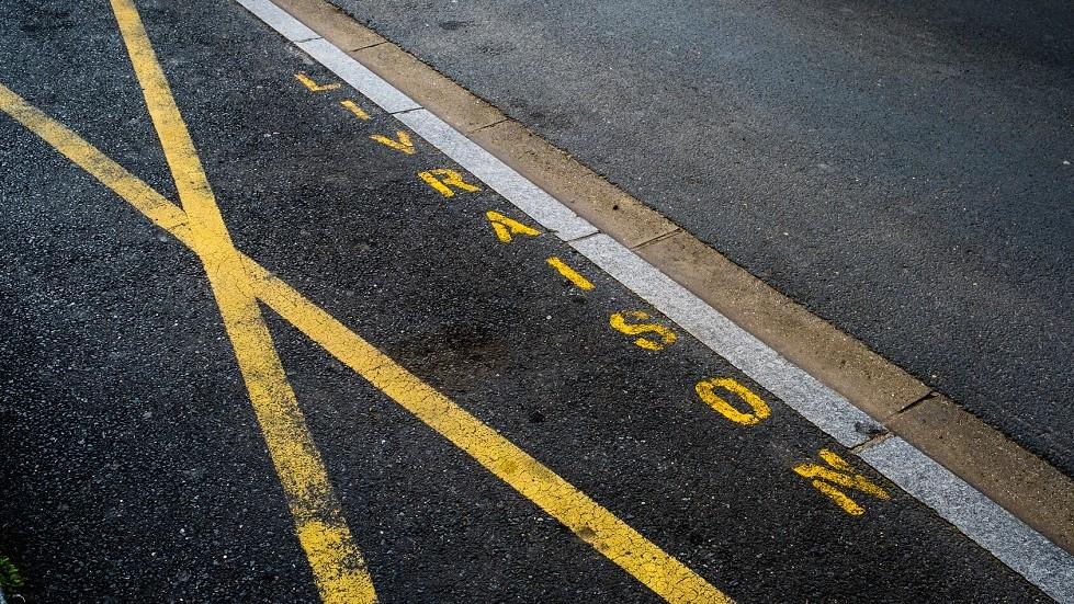 Place de stationnement reservee aux vehicules de livraison