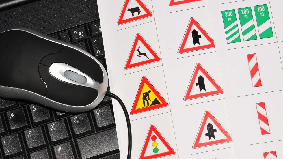 Formation a l'examen du code de la route sur ordinateur