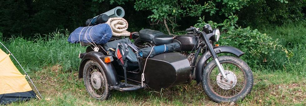 Moto side-car camping
