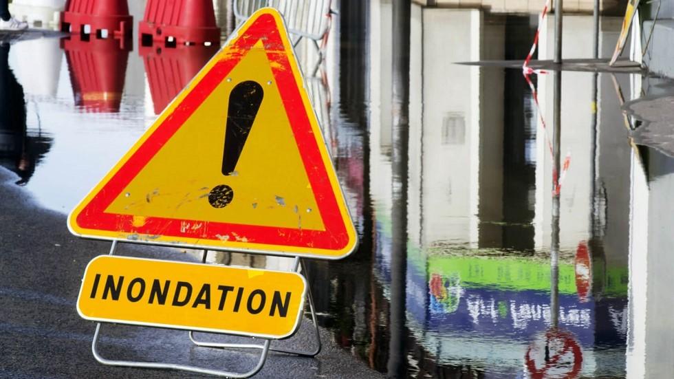 Panneau de danger temporaire d'inondation