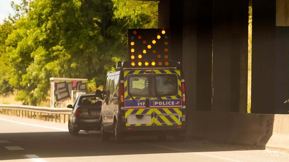 Controle de police aleatoire realise en dehors d'une agglomeration