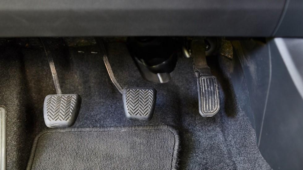 Pedalier traditionnel des automobiles