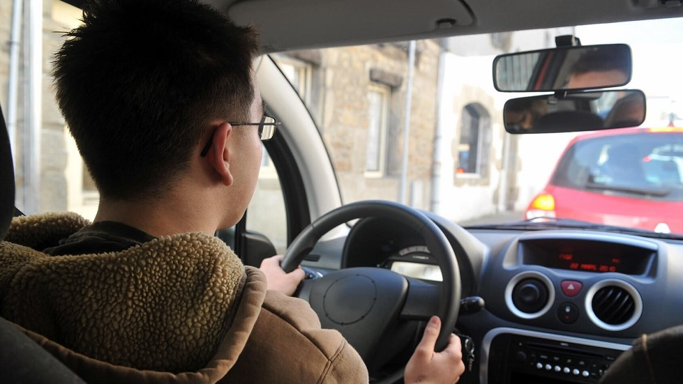 Candidat suivant la formation pour decrocher le permis de conduire