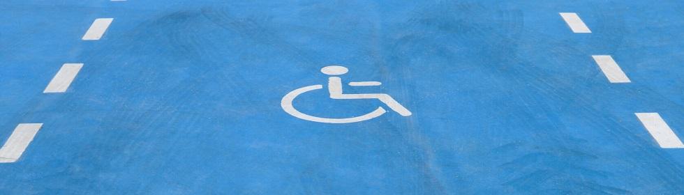 place de stationnement pour personnes en situation de handicap