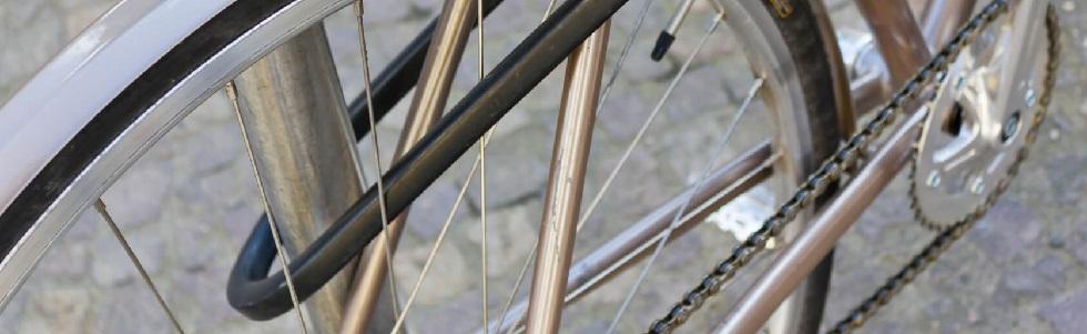 Antivol en forme de U sur un vélo