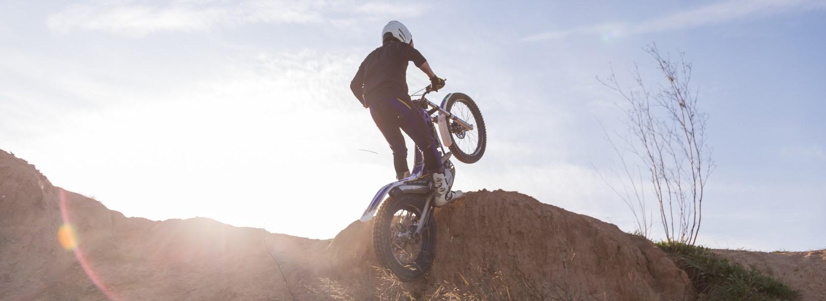Photographie d'un usager en moto-cross.