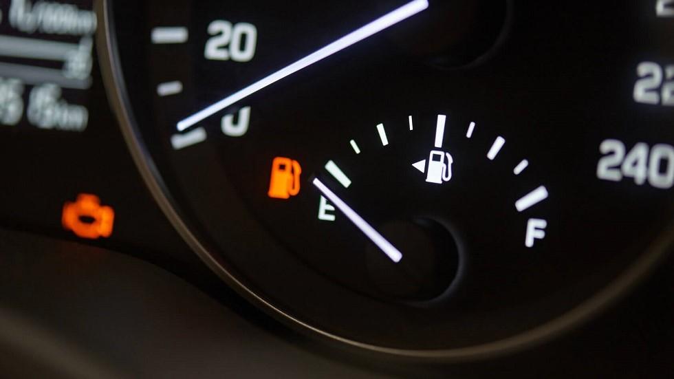 la jauge du niveau de carburant des automobiles