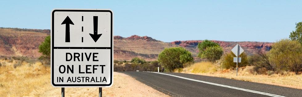 panneau de rappel de conduite à gauche en Australie
